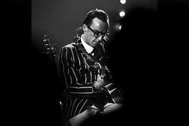 Nicolas-Grosso-Guitariste-e1610650553314.jpg